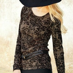 NWOT Peruvian Connection brocade print top Small
